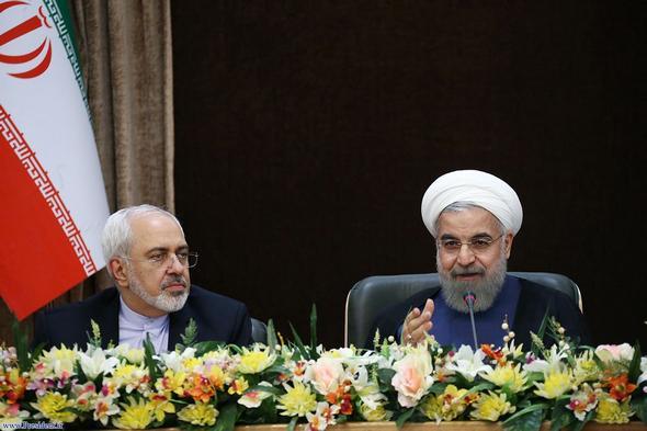 روحانی: حاضریم مذاکره کنیم / جوانان کمتجربه در یکی از کشورهای منطقه با درشتگویی به جایی نمیرسند