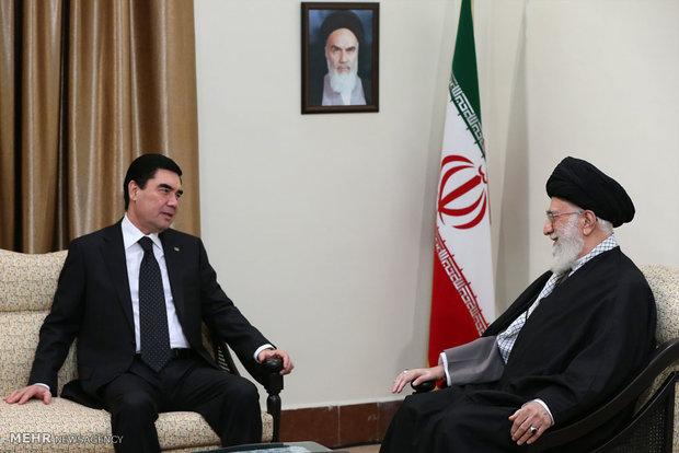 رهبر معظم انقلاب:  بهترین راه خنثی کردن داعش، تقویت حرکت های فکریِ اسلامیِ معتدل است