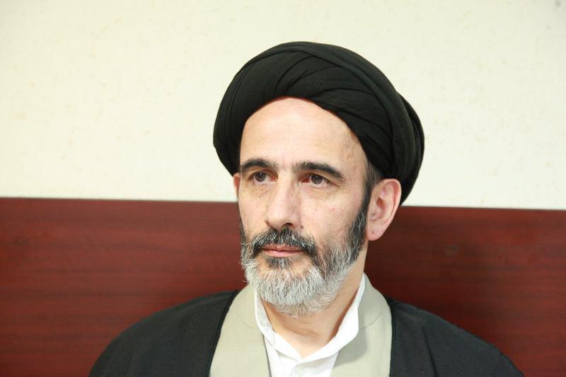 نمایشگاه کتاب تهران را در آبانماه برگزار کنید