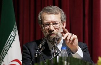 لاریجانی: ادبیات احمدی نژاد در کشور مشکل ایجاد کرده/یک عدهای میخواهند روی فتنه 88 بنزین بریزند